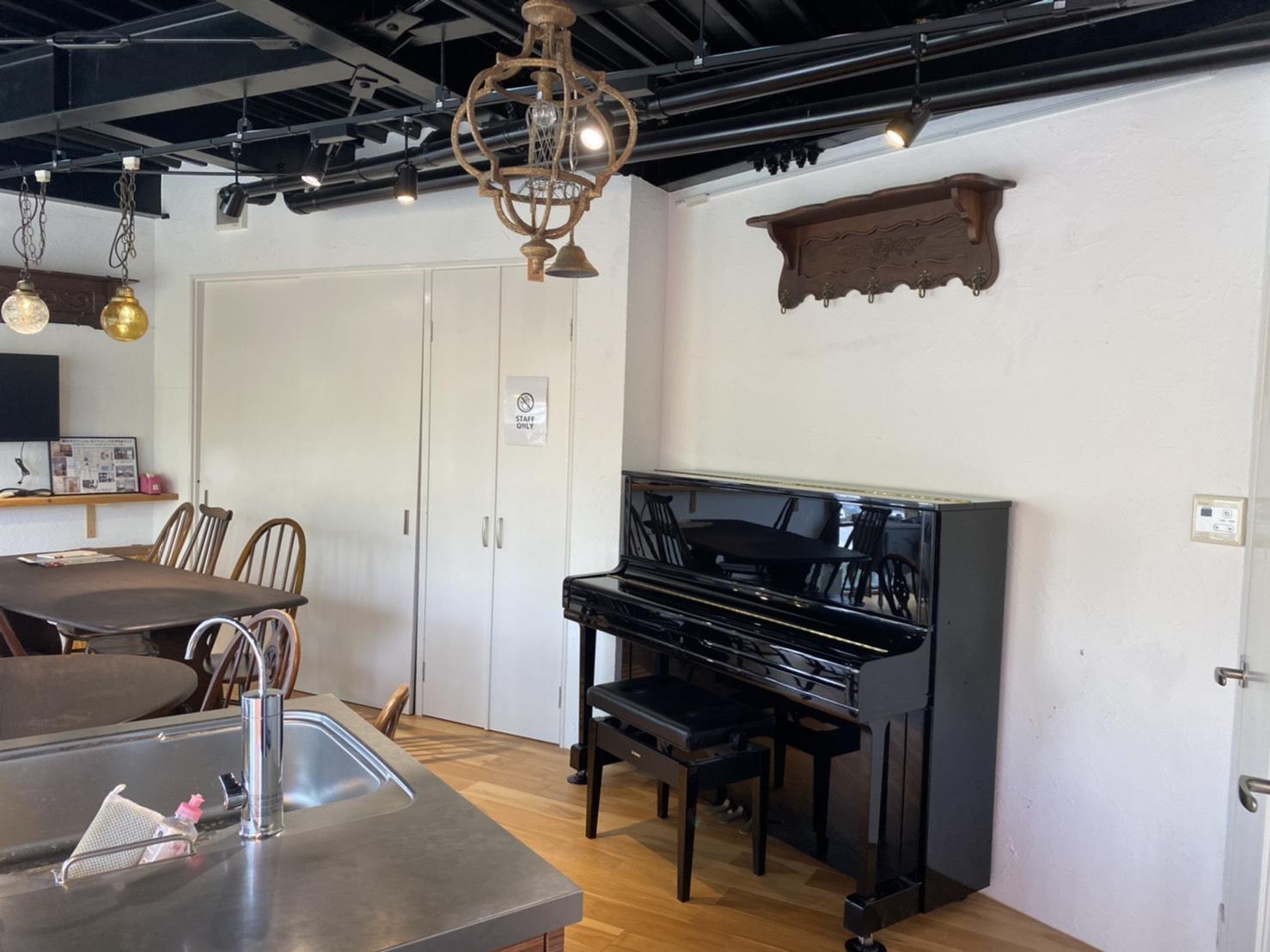 """<span class=""""title"""">レンタルスペースにピアノが搬入されました!</span>"""
